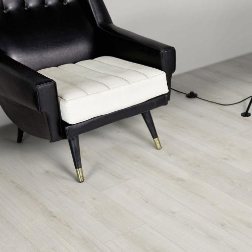 Ламинат К4419 Дуб Дилайт Kaindl Natural Touch Standard Plank 8мм